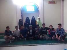 Sebagian Santri di Masjid Al-Ikhlash